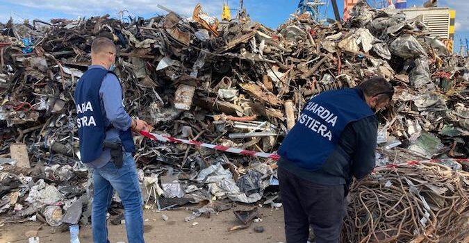 Guardia Costiera e Arpa sequestrano 130 tonnellate di rottami ferrosi al  porto di Augusta - Diario1984