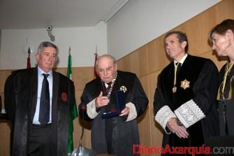 Entrega Medalla(1)