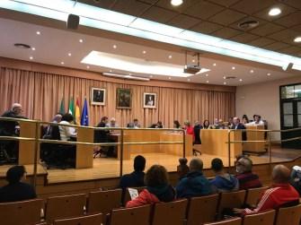 El Pleno solicitado por el PP se desarrolla en un ambiente crispado y tan solo se aprueba una moción