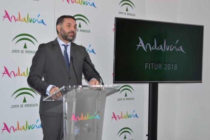 El consejero presentó la participación de la comunidad en esta feria, con un pabellón funcional, interactivo y orientado a la generación de negocio.