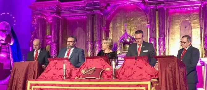 Bello y novedoso pregón del Coronado de Espinas pronunciado por cinco personas.