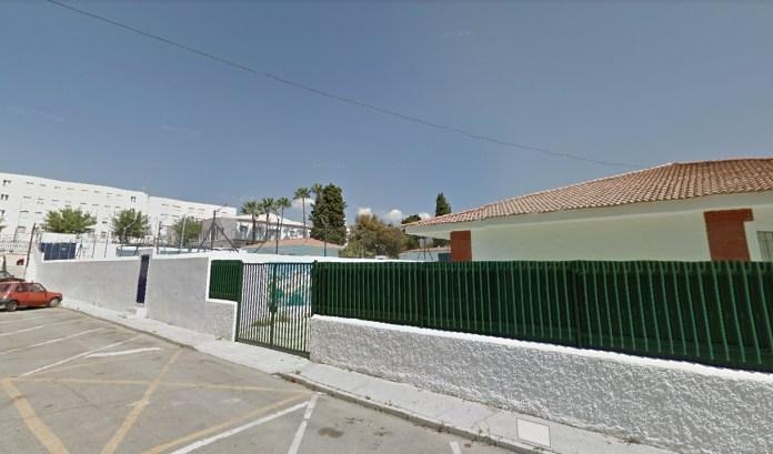 La Consejería de Educación, a través de la Agencia Pública Andaluza de Educación, licita los trabajos de reparación y adecuación del gimnasio del colegio Nuestra Sra. de los Remedios de Vélez Málaga, actuación de la que se beneficiarán los más de 510 alumnos y alumnas matriculados en el centro.