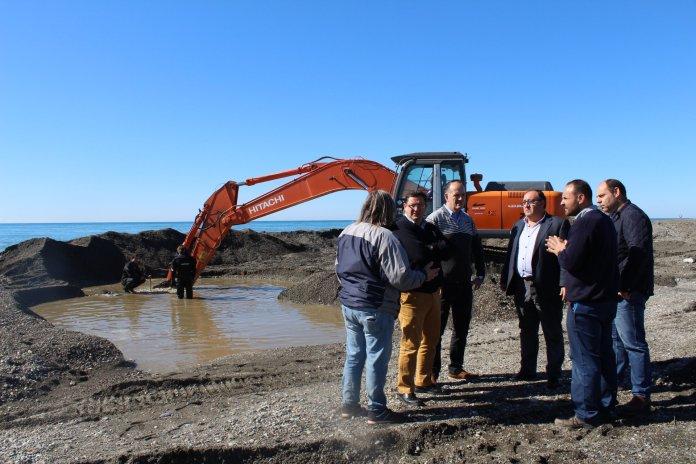 Axaragua repara el emisario submarino de Torre del Mar tras la avería producida por el último temporal