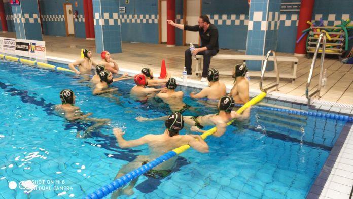 El Club Deportivo Waterpolo Málaga empata y logra la permanencia