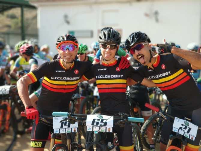 Deseamos una pronta recuperación a Antonio Barranquero, a quien vemos junto a Ivan González y Joaquín Calderón.