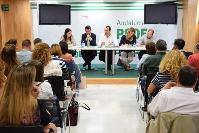 Ruiz Espejo destaca que el proceso de primarias es garantía de que el PSOE ofrece en los municipios las mejores candidaturas basadas en la democracia y la participación.