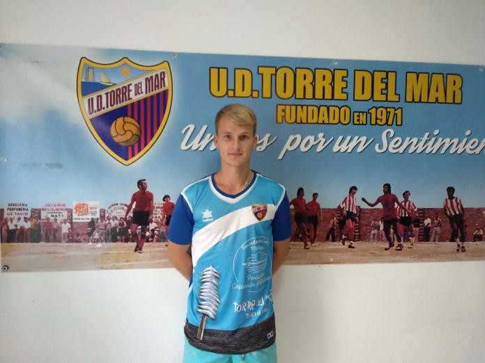 La Unión Deportiva Torre del Mar renueva a Marc Martens