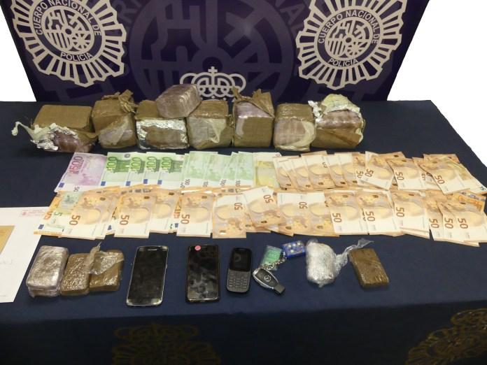 La Policía Nacional interviene más de ocho kilos de hachís en un vehículo de alquiler en Torremolinos