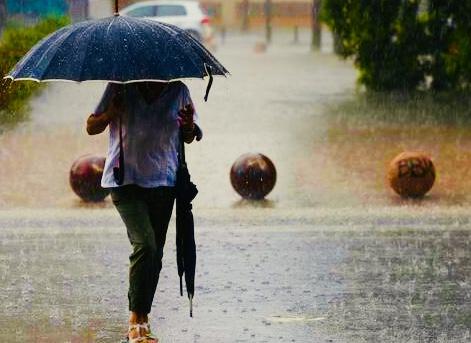 La Agencia Estatal de Meteorología (Aemet) activa el aviso naranja por lluvias en el litoral de Málaga y Granada