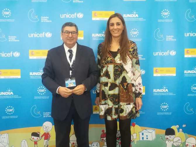 Moreno Ferrer recoge el galardón por el compromiso de su Gobierno con las políticas sociales infantiles