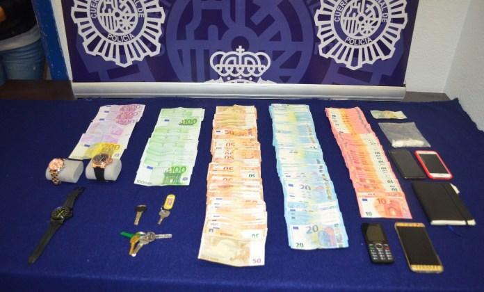 Detenido un empleado de hogar por robar 27.000 euros a su jefe
