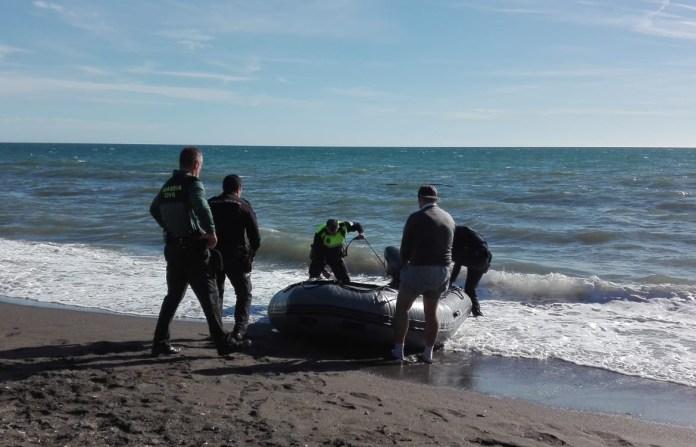 Dos inmigrantes fallecidos en una patera llegada a la playa de Chilches