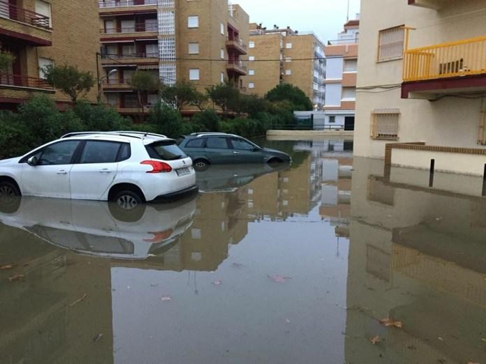 112 Andalucía registra un centenar de incidencias relacionadas con los efectos de las lluvias en toda la comunidad