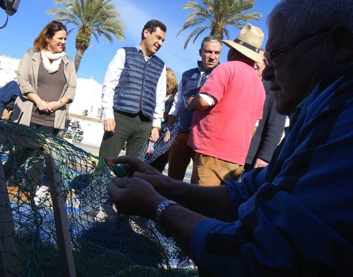 Juanma Moreno creará en Vélez-Málaga un observatorio de cultivos tropicales