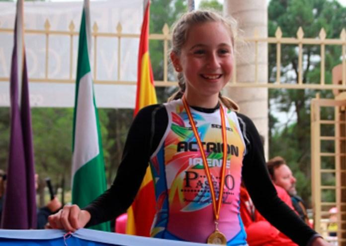 La triatleta de Caleta de Vélez Irene García se proclama vencedorade la I Copa de AndalucíadeDuatlón CrossdeMenores