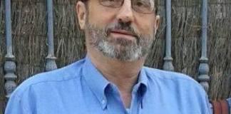 """Unas horas más tarde tras conocerse los resultados finales,Juan Manuel Jiménez Muñoz, un médico malagueño, conseguía más de4.000 comentarios y 21.000 clicks en """"compartir"""" en una carta, a través de Facebook,en la que se dirigía a Pablo Iglesiaspara criticar acciones de la izquierda andaluza."""