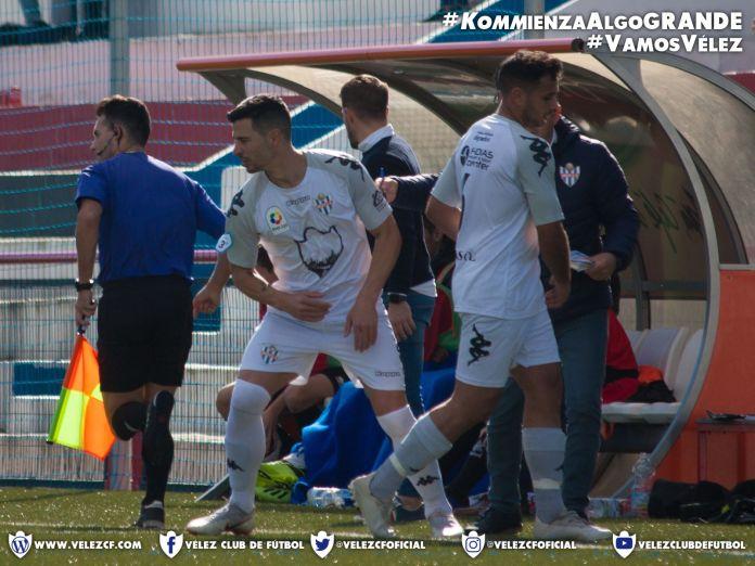 San Pedro y Vélez Club de Fútbol  firman las tablas en el derbi malagueño de Tercera (0-0)