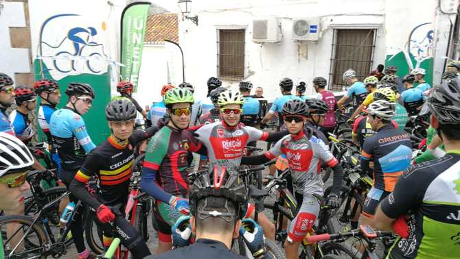 Manolo Aranda, corredor Junior de Rincón Dental Bikestore Team se vuelve a subir al podio