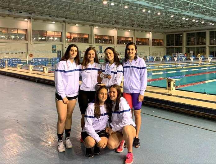 Las Chicas del Club Natación Axarquía hacen historia en el Campeonato de Andalucía Absoluto-Junior