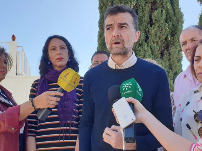 Maíllo ha participado en Nerja junto a García en la presentación de la candidatura de confluencia con Podemos para las elecciones municipales, Adelante Nerja.
