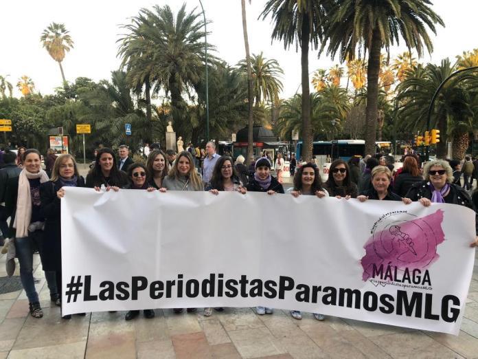 Mujeres periodistas de la Asociación de la Prensa de Málaga en la huelga general feminista.