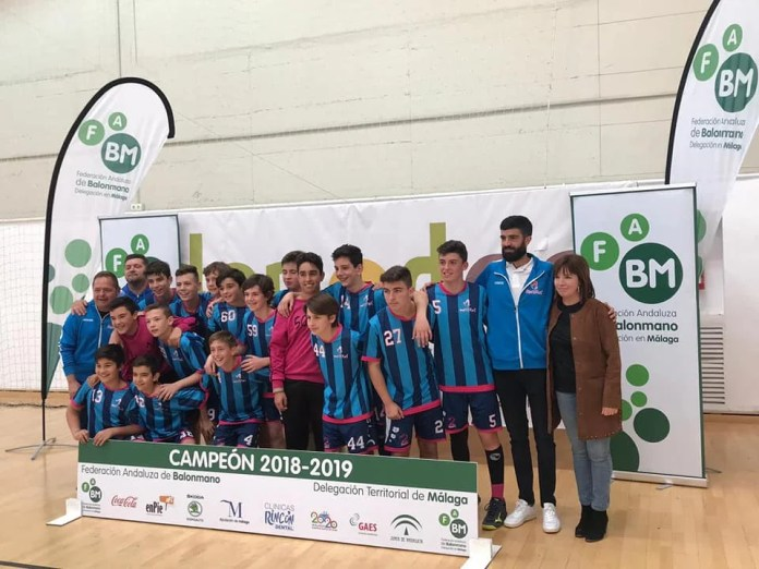 El Campeonato Infantil Provincial de Balonmano reúne a los mejores clubes en Vélez-Málaga