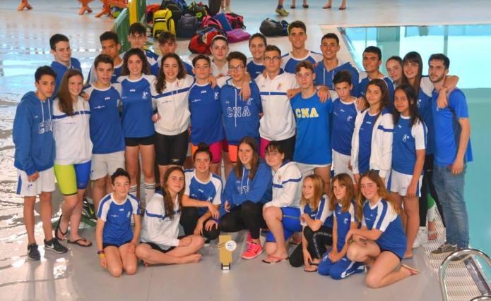 El Club Natación Axarquía se proclama campeón en la gran final provincial