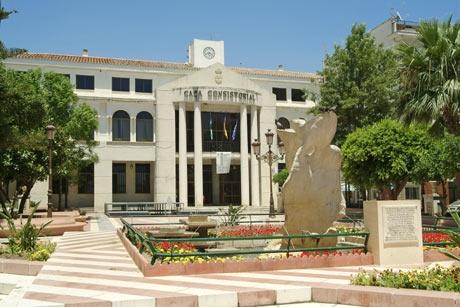 El Ayuntamiento de Rincón de la Victoria saca a licitación la conservación y mantenimiento de las zonas verdes públicas para una mejora notable del servicio