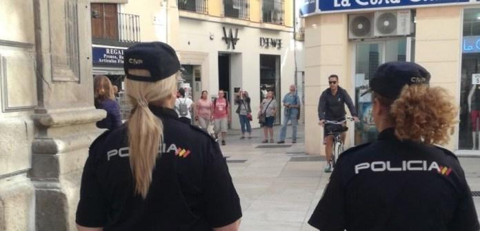 La Policía Nacional detiene a un individuo por el atraco a punta de pistola a una panadería en Antequera