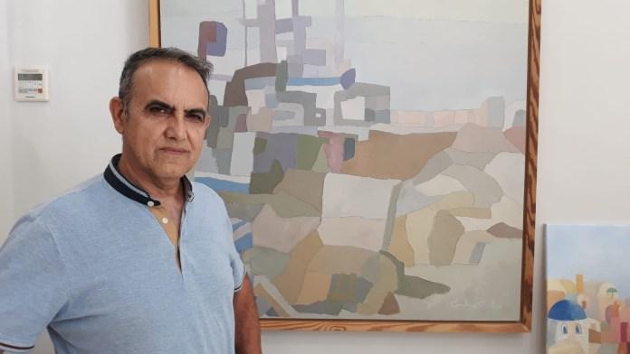 Molina Castro expone sus 'Miradas' en la oficina de turismo de Torre del Mar