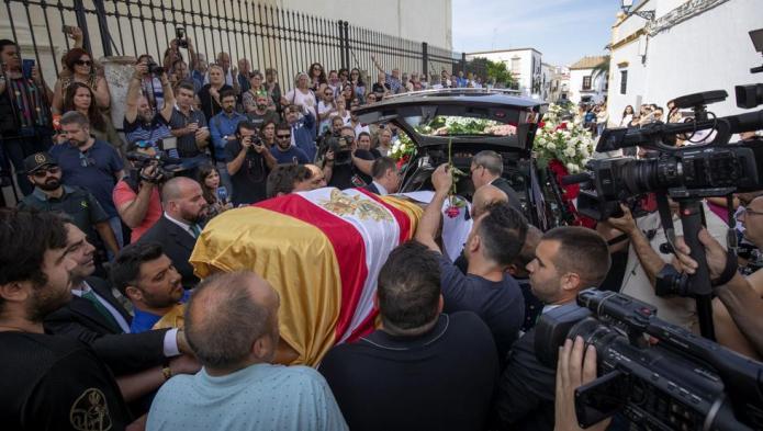 Último adiós a Reyes en su Utrera natal