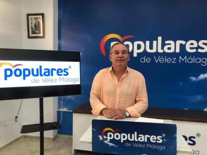 """El Gobierno de Vélez presenta """"un folio en blanco"""" como balance de los primeros cien días del nuevo mandato"""