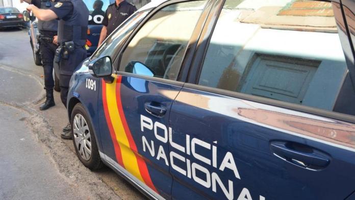 La Policía Nacional detiene a un hombre por tenencia ilícita de armas en el centro de Málaga