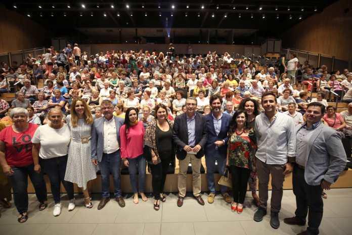 Más de 400 mayores de la Axarquía participan en los actos de conmemoración del Día Internacional del Mayor organizados por la Diputación
