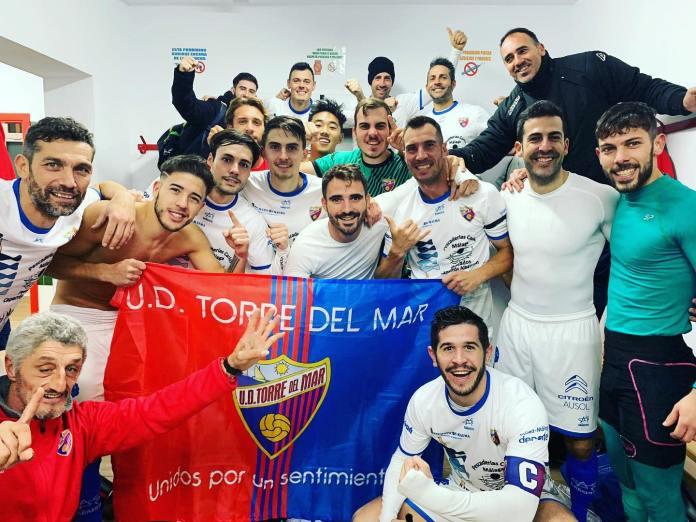 La Unión Deportiva Torre del Mar confirma su liderato en Primera Andaluza