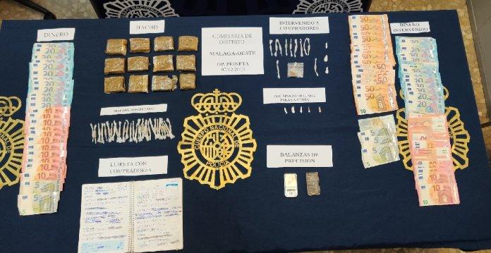 """La Policía Nacional desmantela en Málaga dos puntos de venta de droga donde menudeaban bajo el reclamo de """"porros a un euro»"""