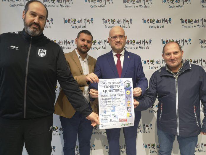 El balonmano de Torre del Mar celebra su tradicional homenaje a 'Ernesto Quintero'
