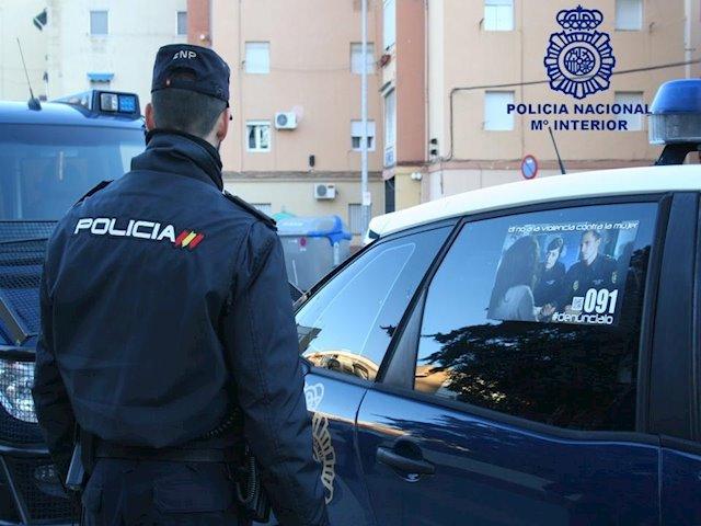 La Policía Nacional desmantela dos puntos de venta de droga y detiene a tres de los responsables de la venta del estupefaciente
