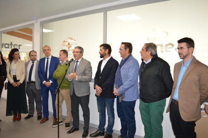 Salado destaca la apuesta decidida por el deporte en Rincón de la Victoria durante la inauguración de la Piscina Municipal Cubierta Christian Jongeneel