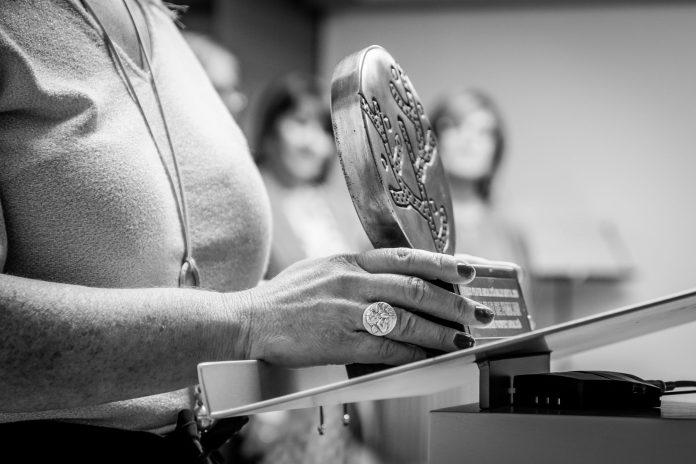 """FEAFES convoca un premio al mejor """"Estudio de investigación en salud mental"""""""