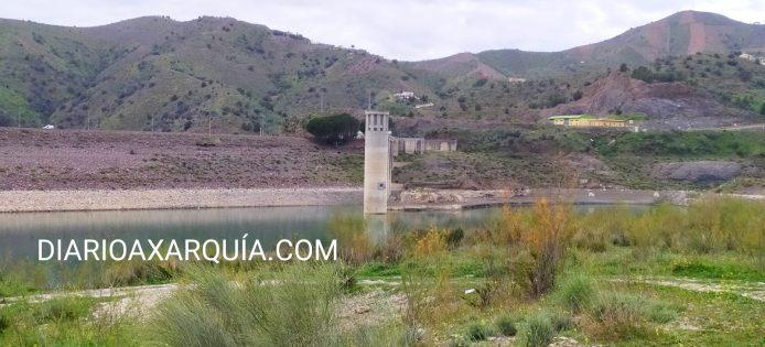Sigue disminuyendo el agua embalsada en el pantano de La Viñuela