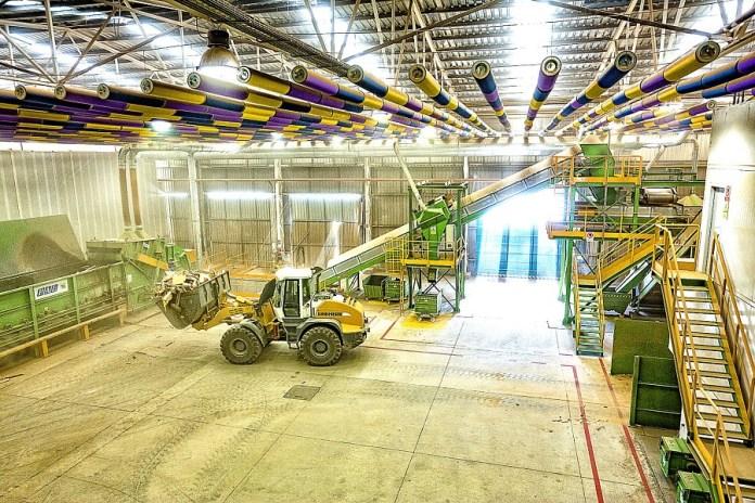 La comarca de la Axarquía podría ahorrar más de 2,5 millones de euros en el transporte de residuos con una planta propia de tratamiento