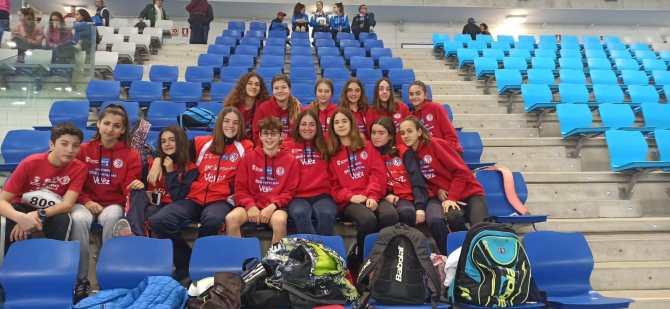 Magnificos resultados para el Club Atletismo Vélez en el Sub' 16