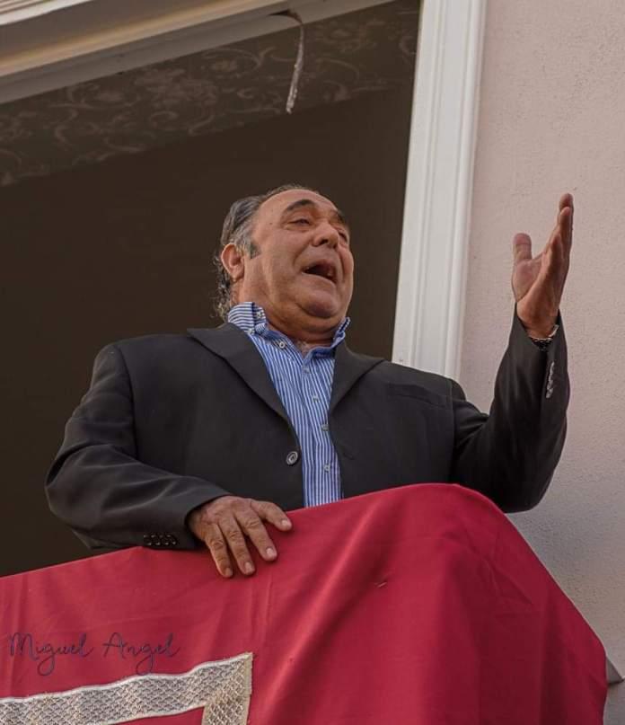 El cantaor veleño Antonio José Fernández, en el cierre del Telediario de TVE