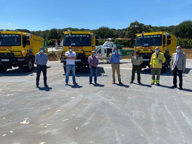 Infoca incorpora en Málaga tres nuevos camiones autobomba para la protección del patrimonio forestal