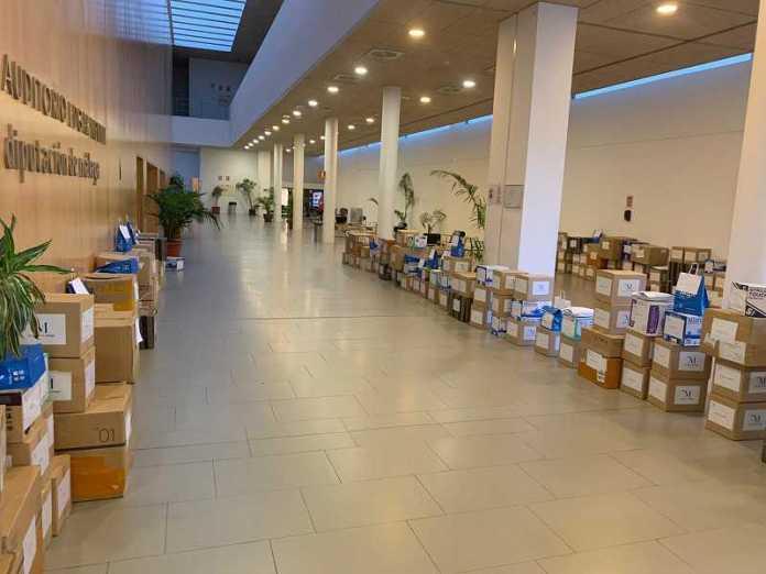La Diputación de Málaga reparte a los ayuntamientos una nueva remesa de 84.300 mascarillas y suma ya 191.350