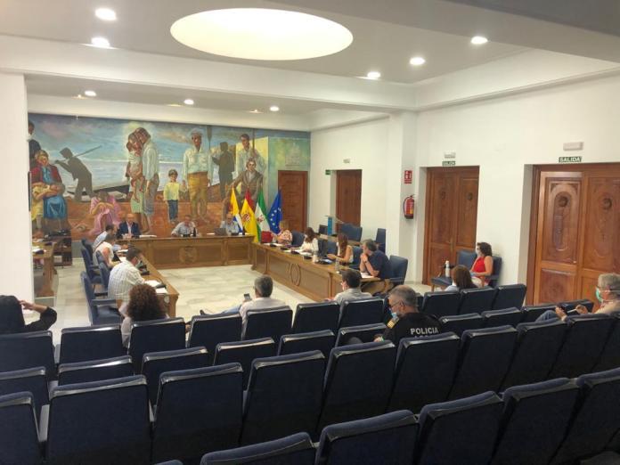 La Policía Local de Rincón de la Victoria establece un dispositivo especial de seguridad que triplica la presencia de patrullas durante la Noche de San Juan