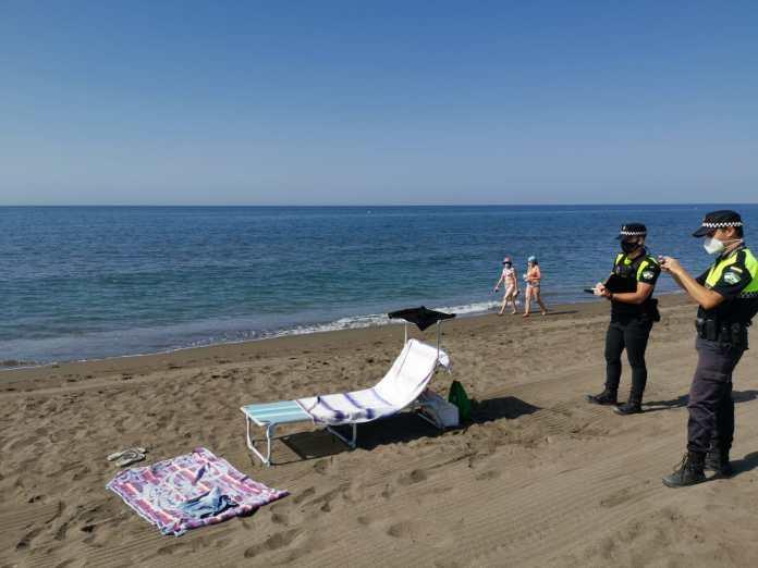 Más de un centenar de multas en cuatro días por no llevar mascarillas en Rincón de la Victoria