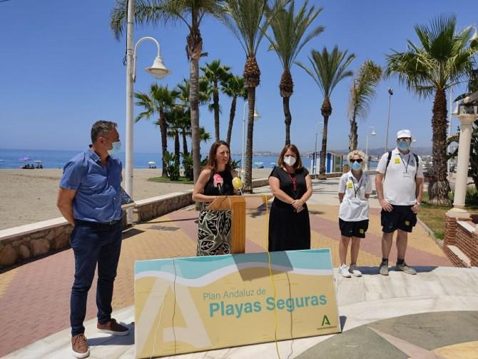La costa de Vélez-Málaga y Algarrobo cuenta con casi un centenar de auxiliares de playas