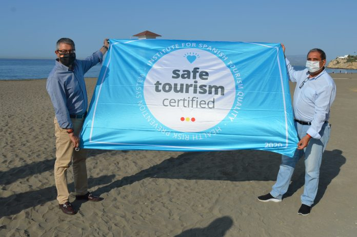 Las playas de Rincón de la Victoria renuevan el certificado de la Q de Calidad Turística por quinto año consecutivo